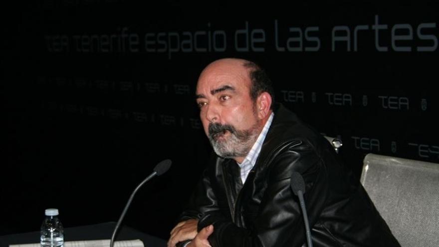 Gonzalo Ortega, catedrático de Lengua Española de la Universidad de La Laguna y presidente en funciones de la Academia Canaria de la Lengua.