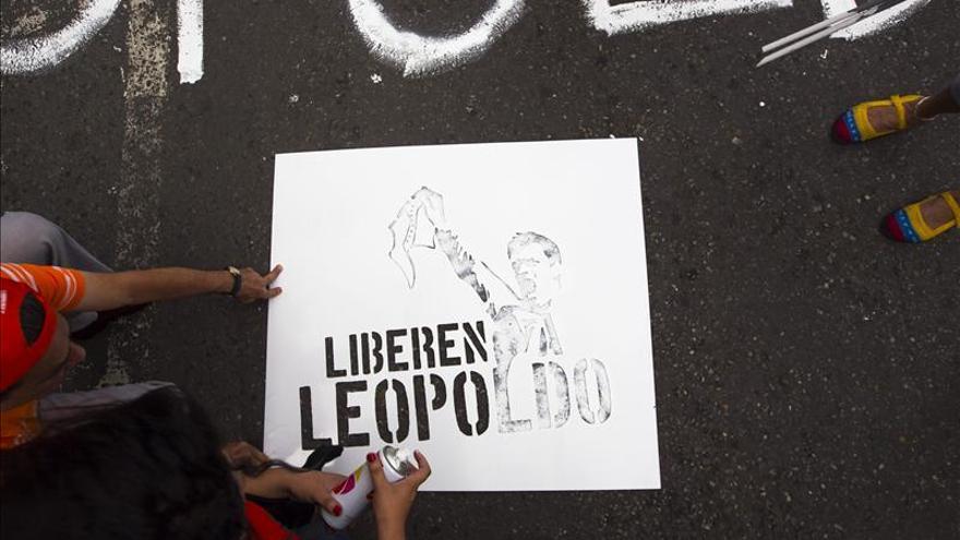 López mantiene su postura de no acudir al tribunal si este no decide sobre la ONU