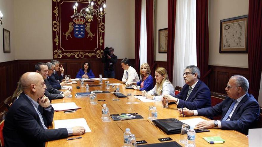Reunión de la Mesa y Junta de Portavoces del Parlamento de Canarias