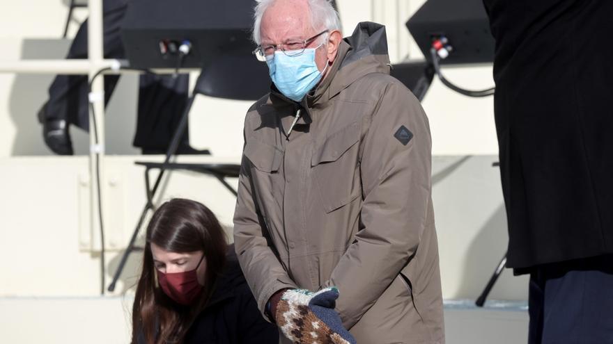 Sanders y sus manoplas roban protagonismo a Biden en Twitter en la investidura