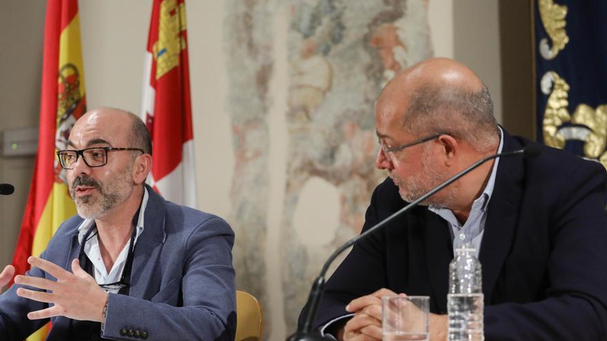 El consejero de Cultura, Javier Ortega y el vicepresidente, Francisco Igea.