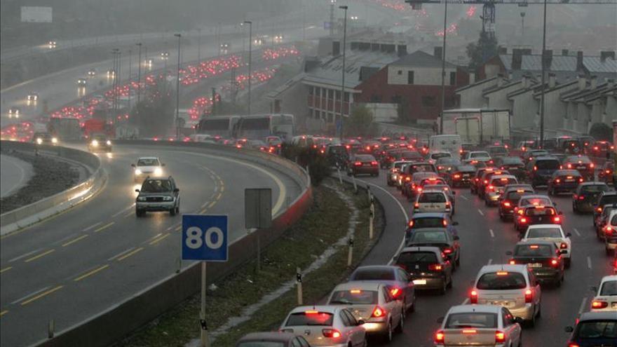 """El tráfico en Madrid se normaliza tras 5 horas del mayor atasco """"en tiempo"""""""