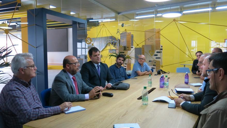Reunión entre el concejal de Movilidad del Ayuntamiento de Las Palmas de Gran Canaria y el Comité de Entidades de Representantes de Personas con Discapacidad de Canarias.