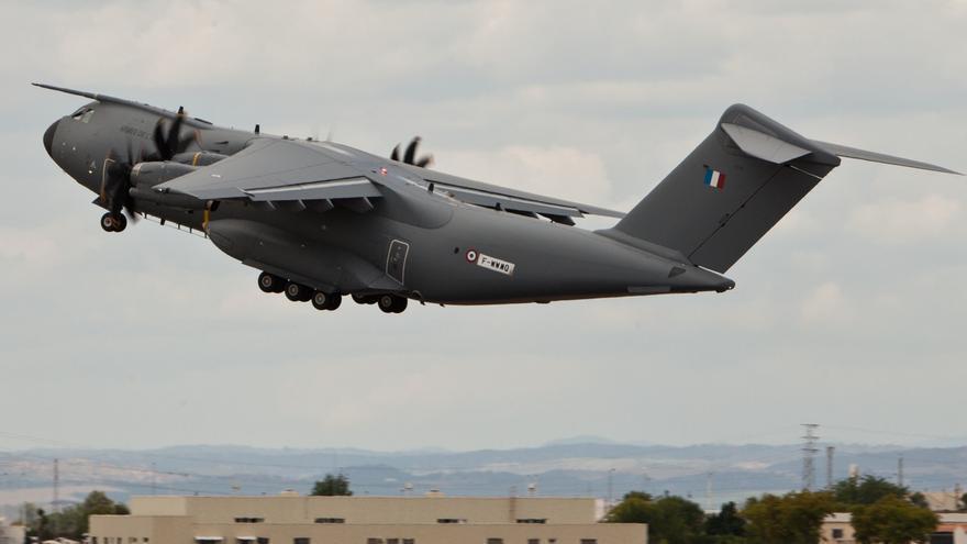 """""""Festival aéreo"""" el domingo en la base de Morón con aviones A400M, cazas Eurofighter y la Patrulla Águila"""