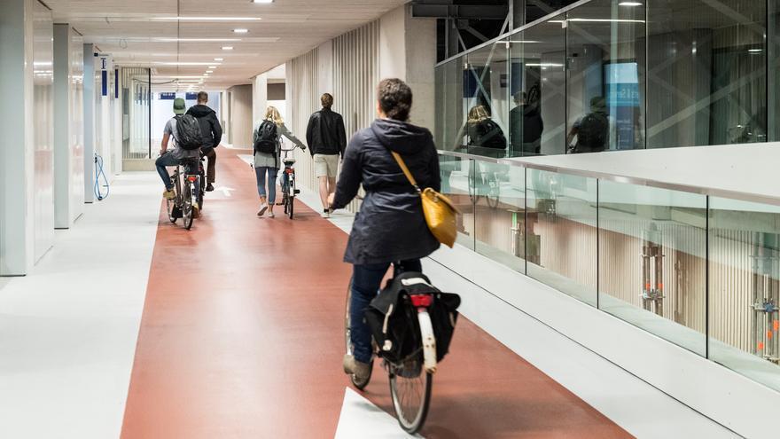 Aparcamiento subterráneo para bicis de Utrecht.