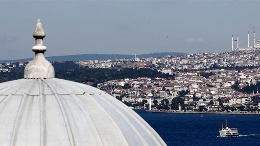 Tras el golpe llegó el aislamiento de Turquía y los problemas con sus vecinos