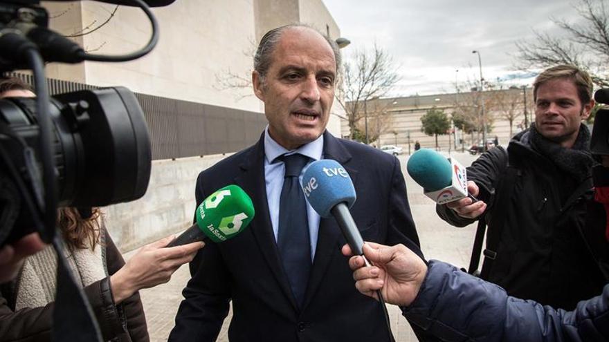 El PP impide que Camps y Fabra declaren en la comisión de partidos del Senado