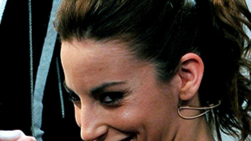 """Almudena Cid, """"histérica"""" y con lágrimas, 'rompe' y encandila en Twitter y a famosos"""