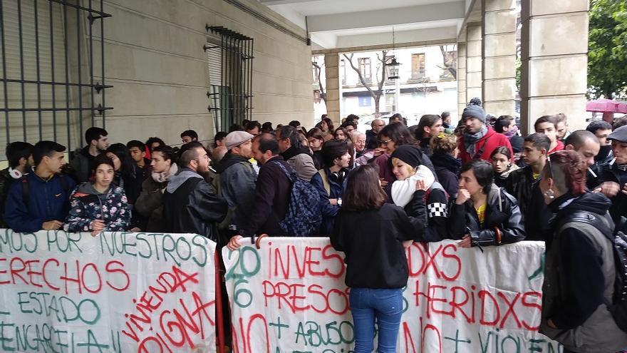 Libertad provisional, dos meses después, para los seis encarcelados por un intento de ocupación en Sevilla