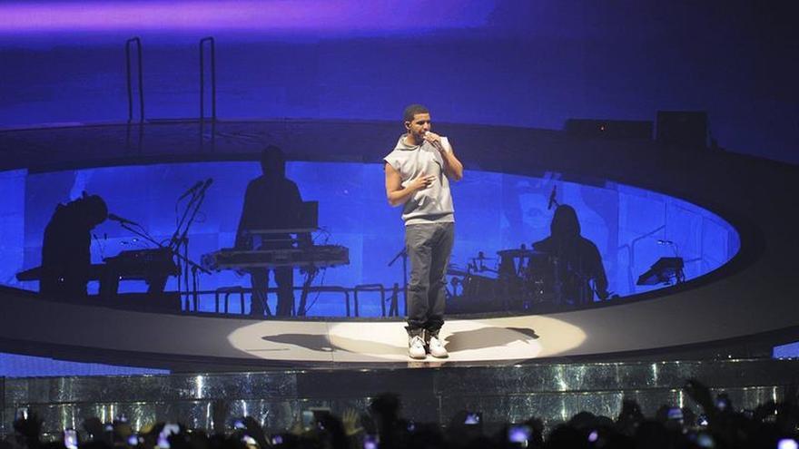 Celine Dion, Drake y Miley Cyrus llevan su música a los premios Billboard