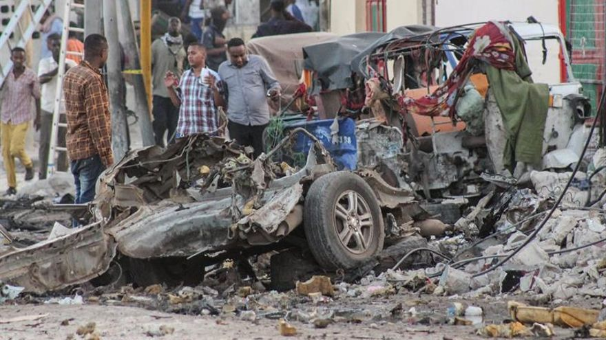 Al menos siete muertos por la explosión de un coche bomba en Mogadiscio