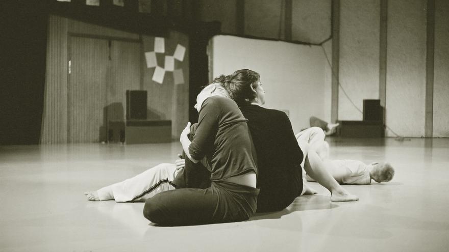 El contact improvisation nació en los años 70 en los Estados Unidos.   DAVID OLIVARI