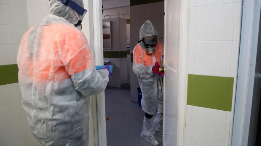 Ceuta mantiene la alta presión hospitalaria aunque mejora la cifra de casos