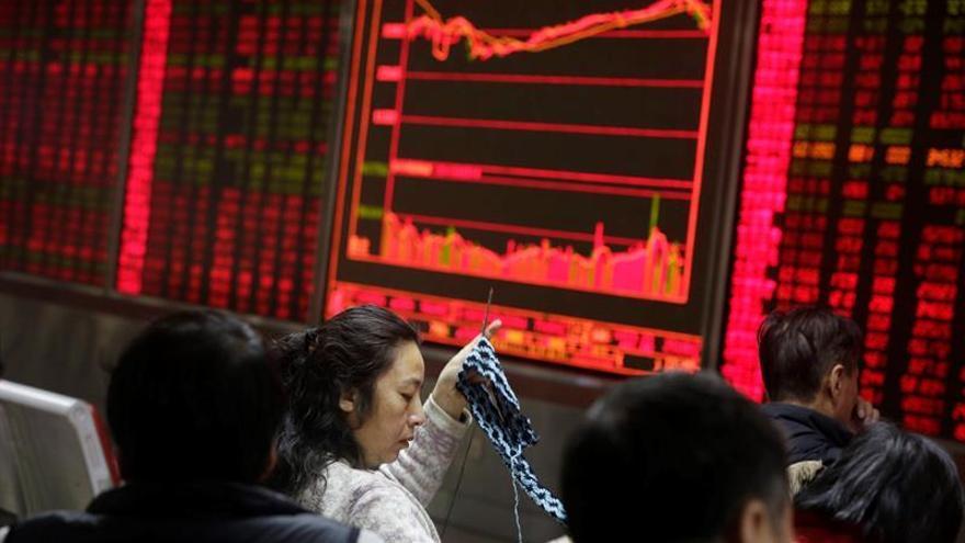 La Bolsa de Shanghái abre con un retroceso del 0,32 %