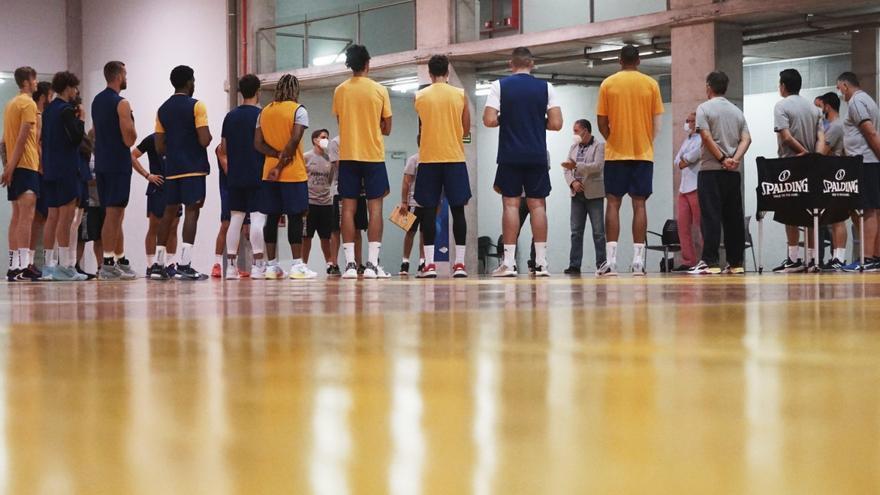 Aplazado el derbi canario de baloncesto por un positivo en el Herbalife Gran Canaria