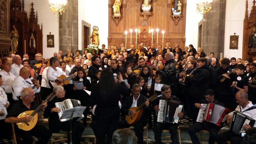 Imagen del Primer Encuentro Insular de Grupos Musicales de la Tercera Edad.