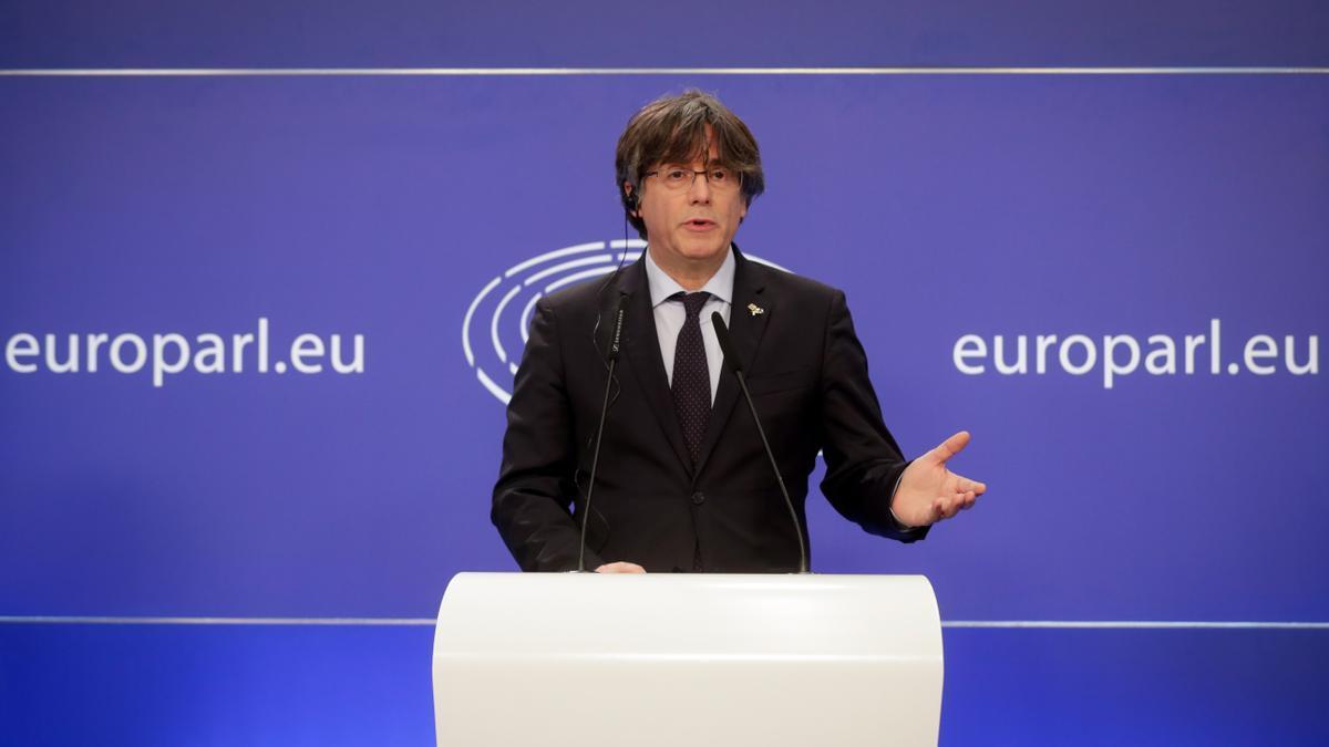El expresident catalán Carles Puigdemont, en una conferencia de prensa en el Parlamento europeo.