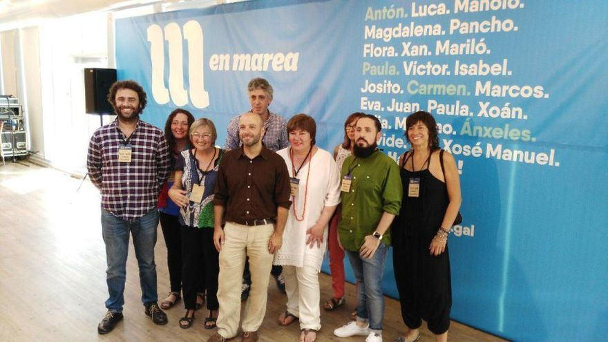 Rodríguez (primero por la izquierda), con Luís Villares y otros miembros de la candidadatura por Ourense