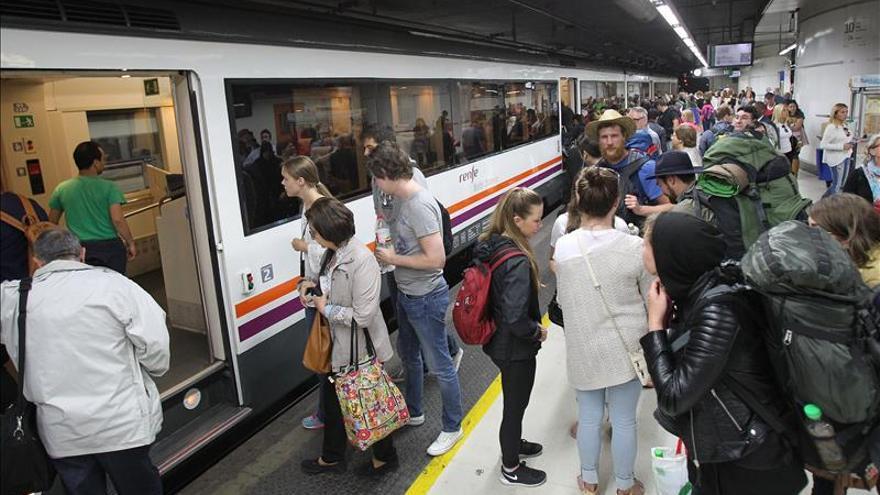 Las líneas R-2 norte, R8 y R11 de Barcelona funcionan hoy al 50% y con refuerzo de autocar