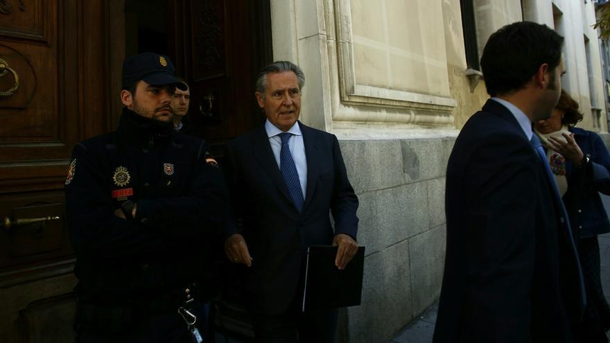 El expresidente de Caja Madrid Miguel Blesa a su salida de los juzgados