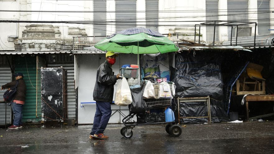 Protección Civil reduce la alerta en El Salvador por las lluvias generadas por Iota