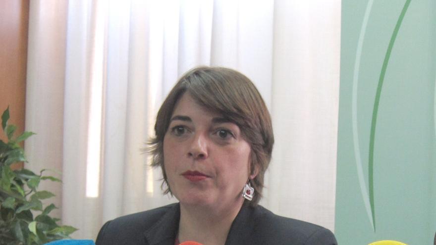 Elena Cortés entrega siete VPO en alquiler con opción a compra a otras tantas familias de Rute