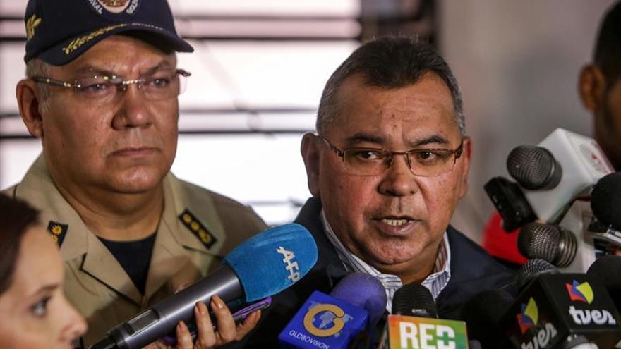 Venezuela envía 10,4 toneladas de enseres y alimentos no perecederos a México