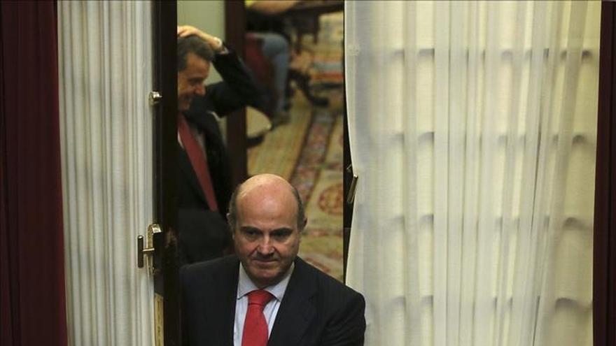 De Guindos califica de positivo el visto bueno del Eurogrupo a Grecia