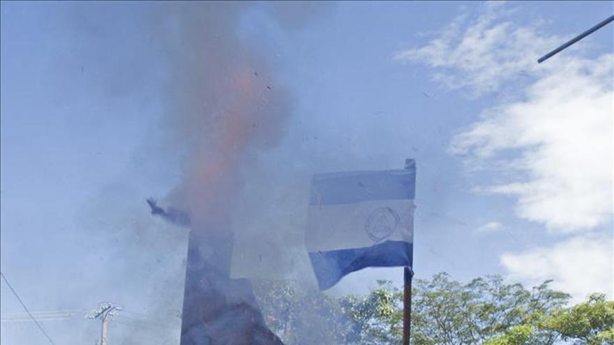 Marchan contra la enmienda que daría más poder a Ortega y le tildan de dictador
