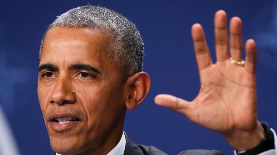 Obama llega a Torrejón de Ardoz en su primer viaje oficial a España