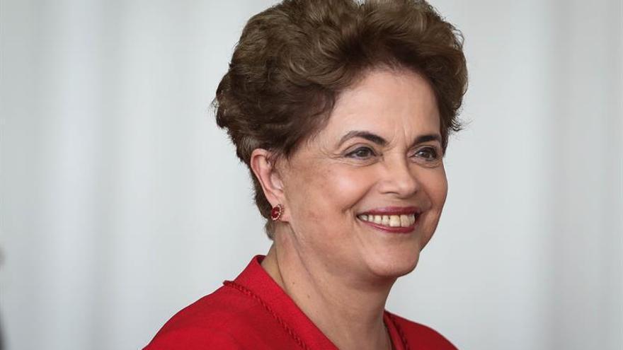 "La expresidenta Rousseff denuncia que Brasil ""vive en un estado de excepción"""