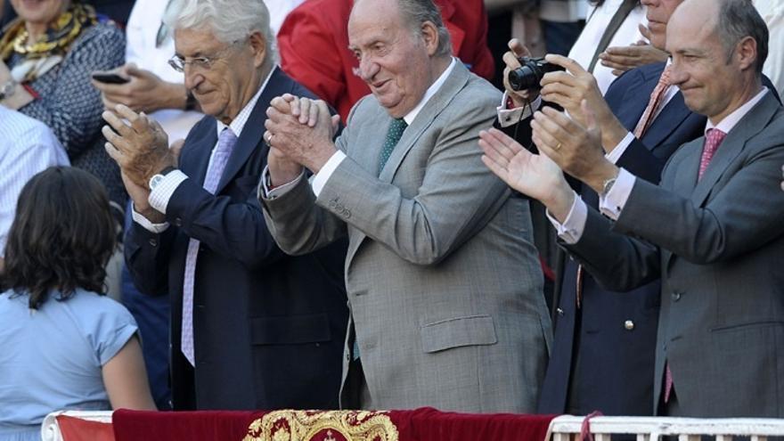 """El PSOE cree que Juan Carlos I """"acertó abdicando"""" y Felipe VI también modernizando la Corona"""