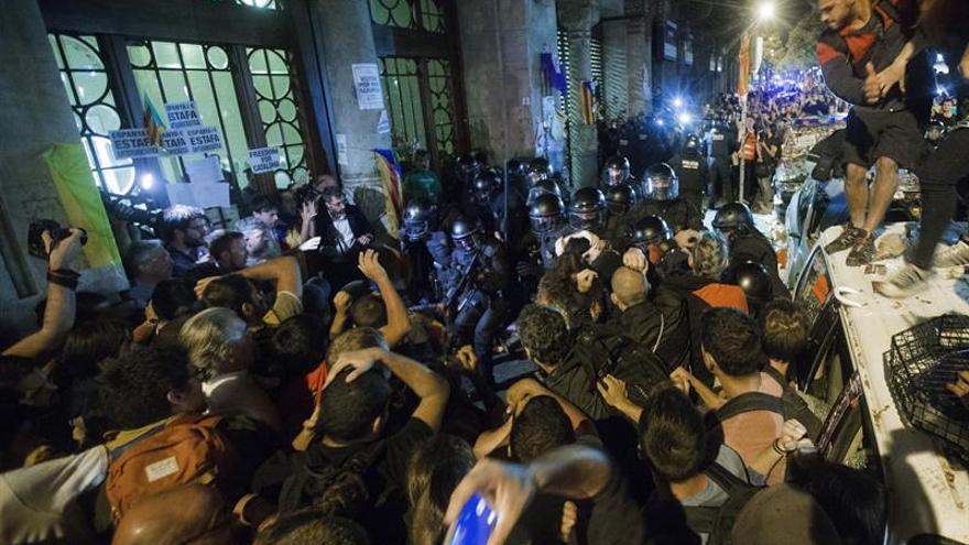 Alemania aconseja a sus ciudadanos que eviten las concentraciones en Cataluña