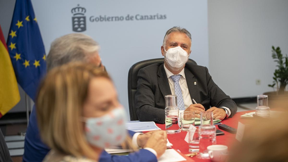 Ángel Víctor Torres en el Consejo de Gobierno.