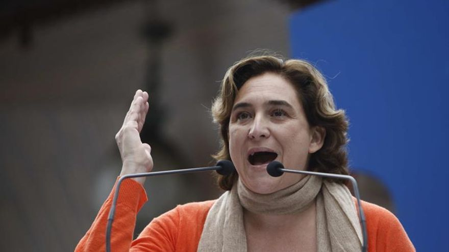 """Colau espera que Rajoy no se saque """"las pulgas de encima"""" en el caso Barberá"""