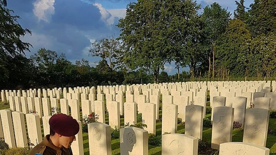 Tumba de Luis Sauquillo en Normandía