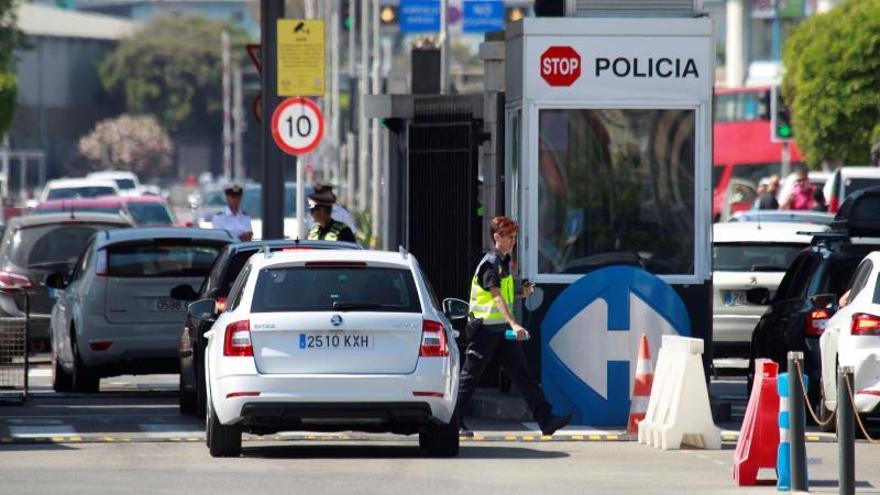 """Gibraltar prevé colas de dos horas en la frontera si hay un """"brexit"""" duro"""