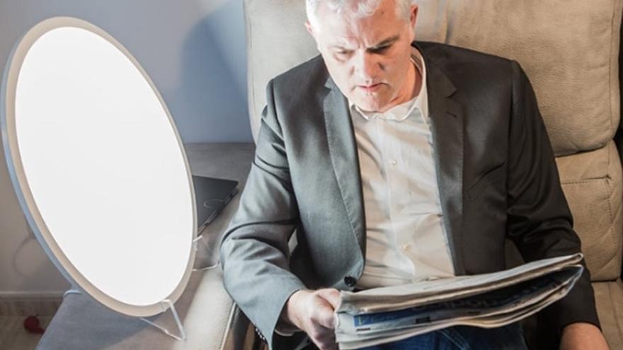 Lámparas de luz azul para luminoterapia: ¿tienen beneficios reales?