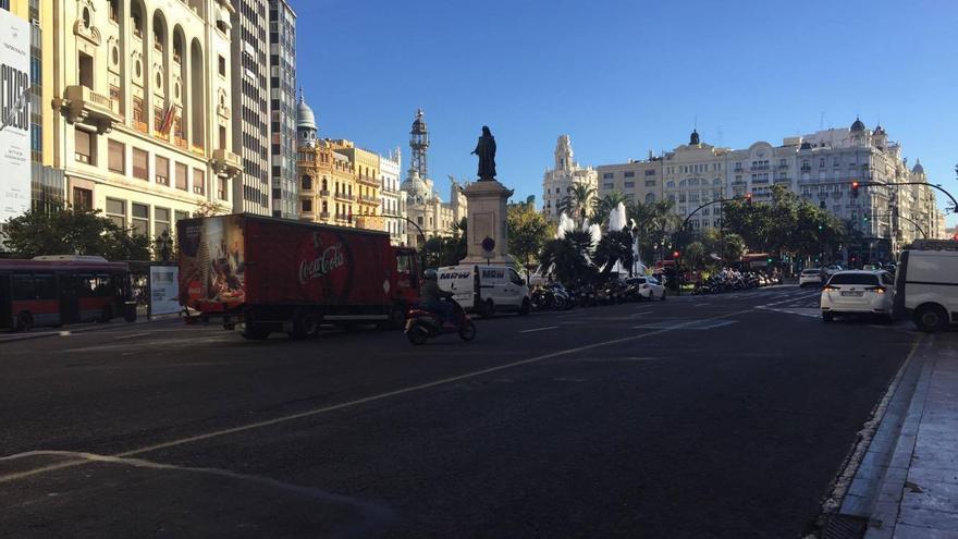 La parte derecha de la plaza del Ayuntamiento quedará peatonalizada