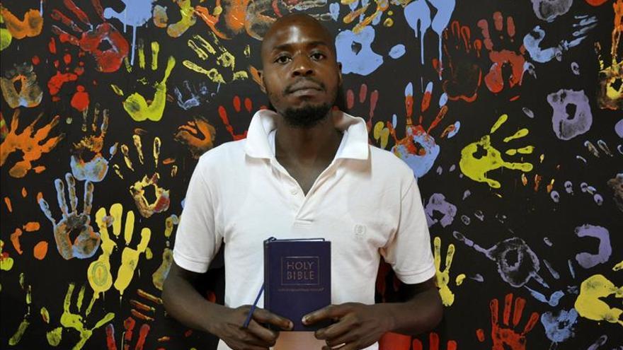Una iglesia reconcilia a los homosexuales kenianos con su Dios