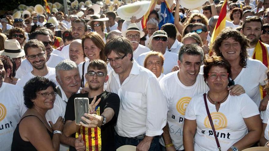 Puigdemont evita cerrar la puerta al referéndum unilateral que reclama la CUP