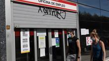 El Gobierno ultima un acuerdo con bancos y cajas de ahorro para abonar el paro de los ERTE pendientes a lo largo de mayo