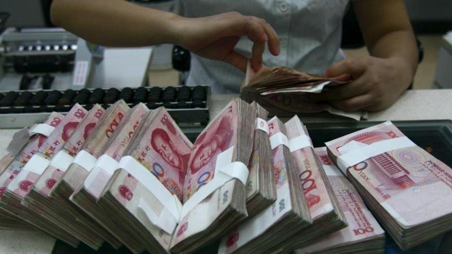 El yuan chino y otras divisas extranjeras serán de curso legal en Zimbabue
