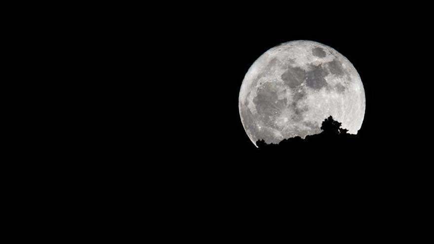 Imagen de la Superluna en el Valle del Golfo, La Frontera, El Hierro