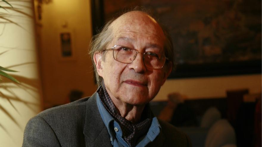 El poeta y crítico de arte José Corredor-Matheos