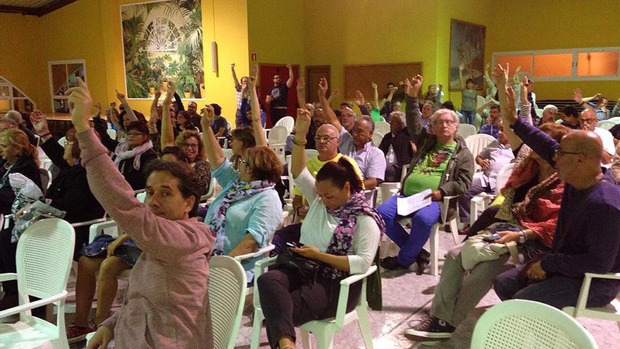 Asamblea de LPGC Puede celebrada en la Asociación de Vecinos Rayco, en Lomo Los Frailes.