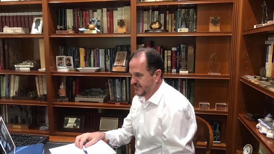 Carlos Iturgaiz, candidato del PP+Cs a lehendakari, durante la rueda de prensa por videollamada que ha realizado este martes