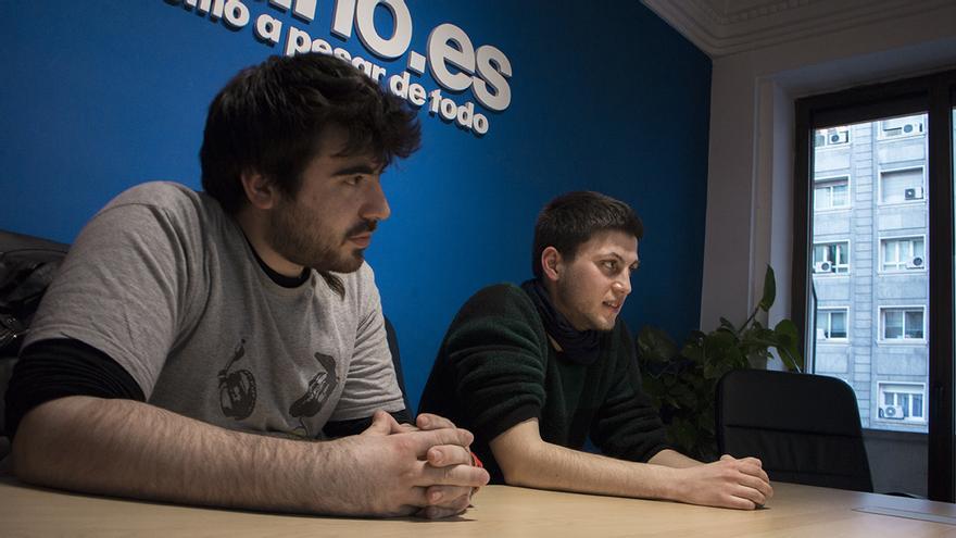 Ismael Benito y Daniel Ayyash en la redacción de eldiario.es. FOTO: Alejandro Navarro