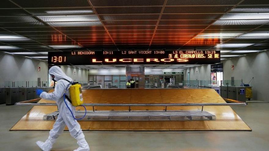 """Interior refuerza vigilancia de comercio """"online"""" y alerta de bulos en redes"""