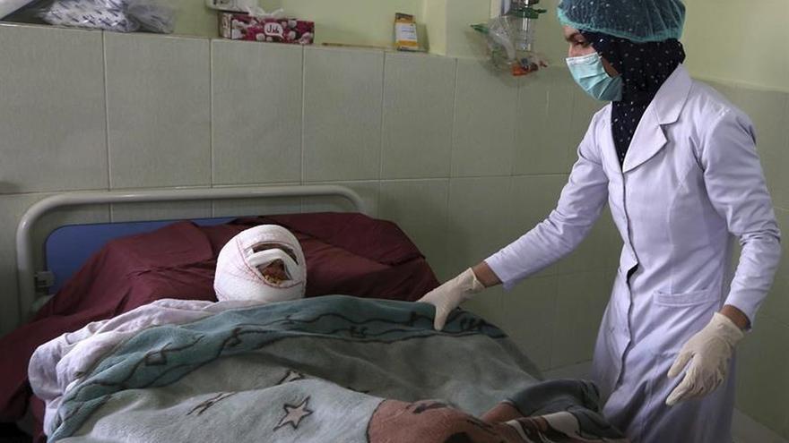 Los talibanes obligan a cerrar todos los centros médicos de una provincia afgana